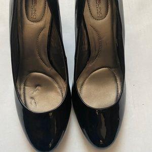 Bandalino black heels